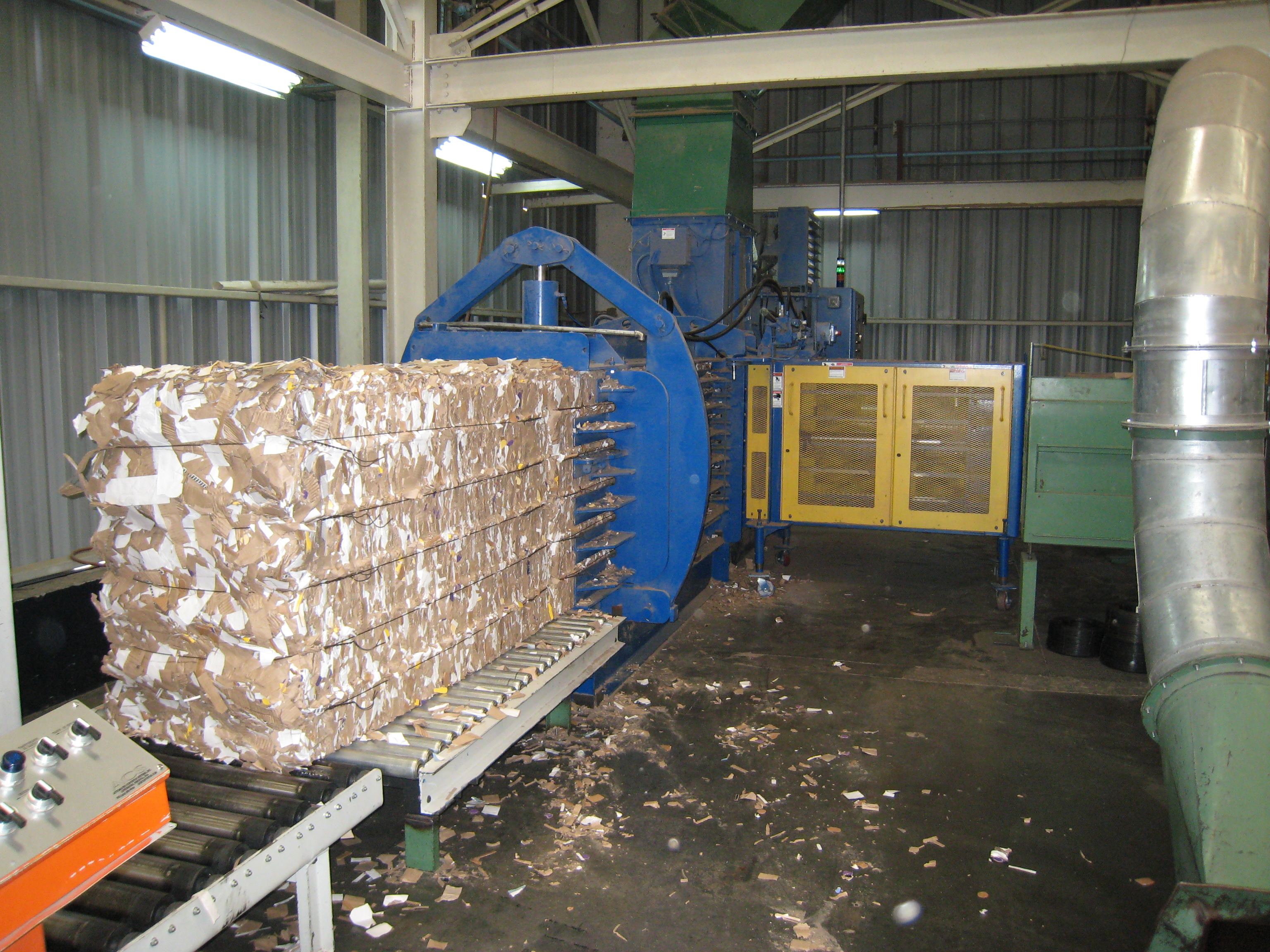 American Baler - PAC Series Baler in Operation