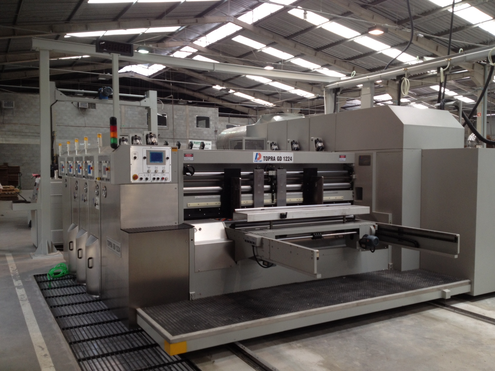 Shown is the Topra GD 1224 (1200mm X 2400mm max feed size)