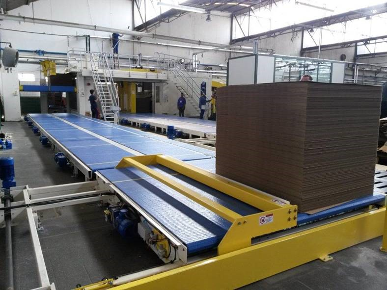 WSA Automatic Discharge Corrugator Take-off Conveyor with Pallet Sweep